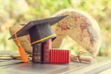 網民熱話:買層樓給孩子、還是供留學好?